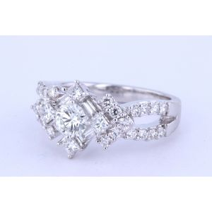 Halo Diamond Engagement Ring  D5434GB31487